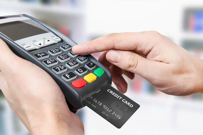 sử dụng thẻ tín dụng
