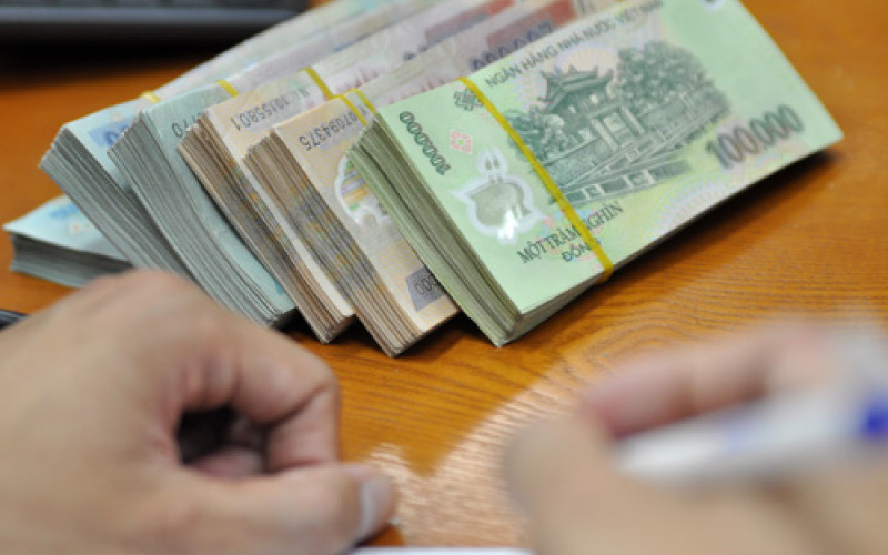 Huy động toàn bộ các khoản thu nhập để trả nợ