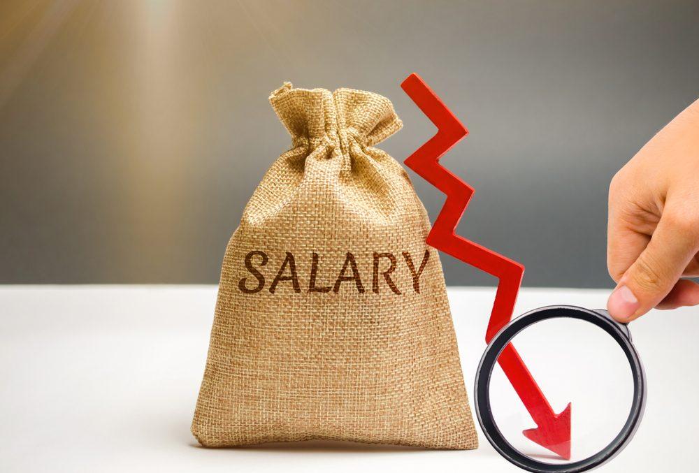 Bạn có đủ khả năng xoay sở với việc cắt giảm lương