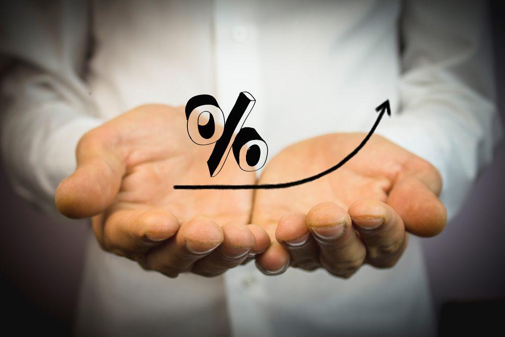 Lãi suất cao khi vay tín dụng đen