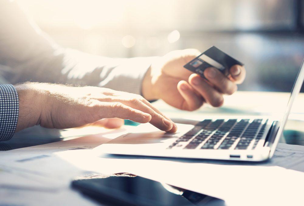 Thanh toán trước các chi phí cố định và linh hoạt trong chi tiêu