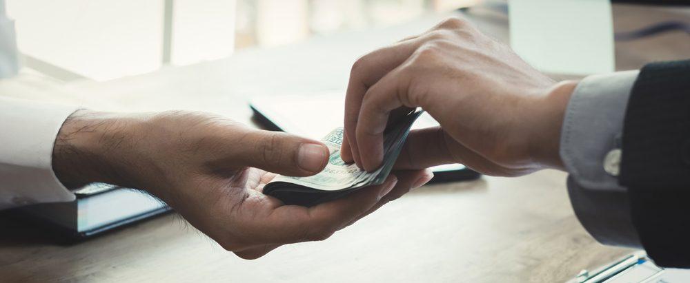 Làm gì để xóa nợ xấu?