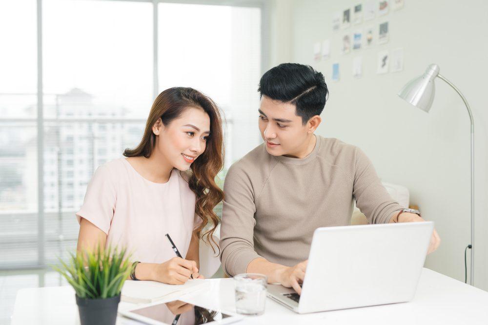 Giá trị tài sản ròng là điều cả hai cần cân nhắc trong quán trình lên kế hoạch quản lý tài chính gia đình