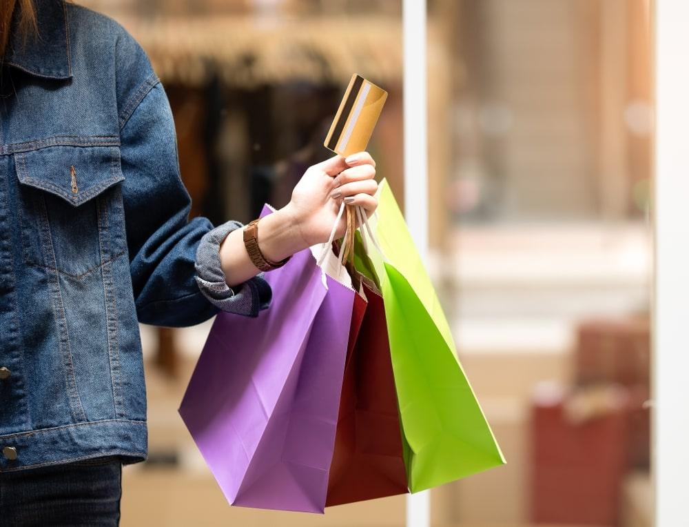 Tài chính tiêu dùng là gì? | Chuyển động 24h