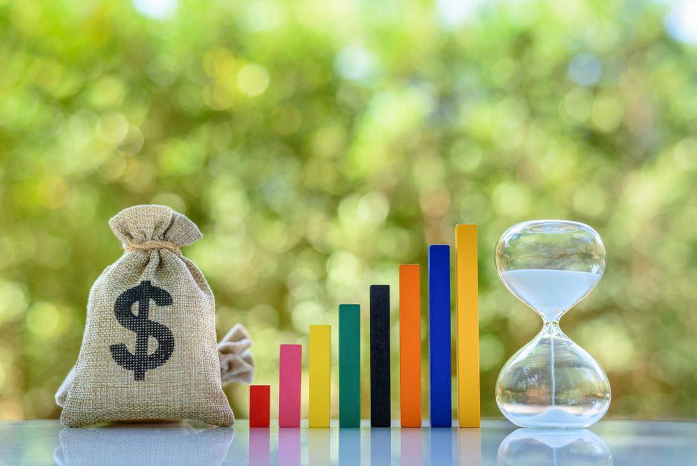 Tiết kiệm dài han và ngắn hạn