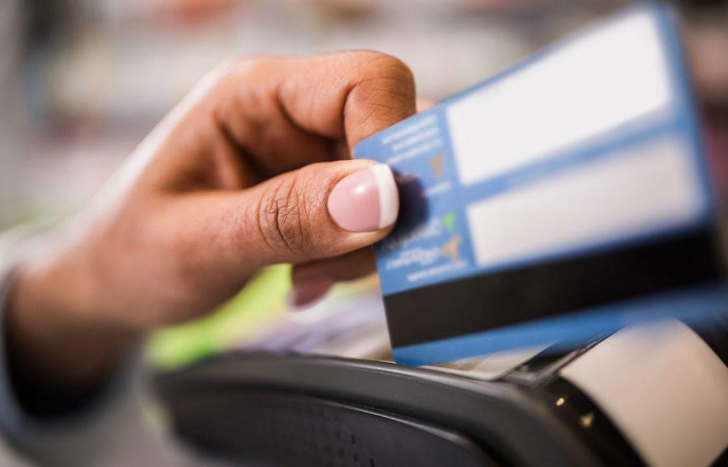 Tránh vỡ nợ khi sử dụng thẻ tín dụng
